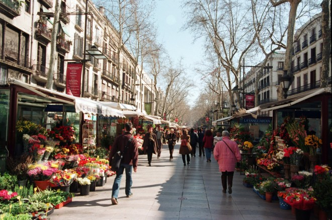 La Rambla, Barcelona (sourc e: Enjoy your holiday)
